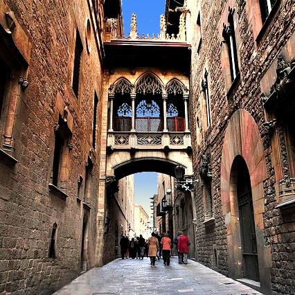 Gothic Quarter - Pont suspés - Old Town